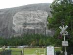 raus in die Natur, nachdem uns fast der Deckel des GWCC auf den Kopf gefallen ist: Stone Mountain Park