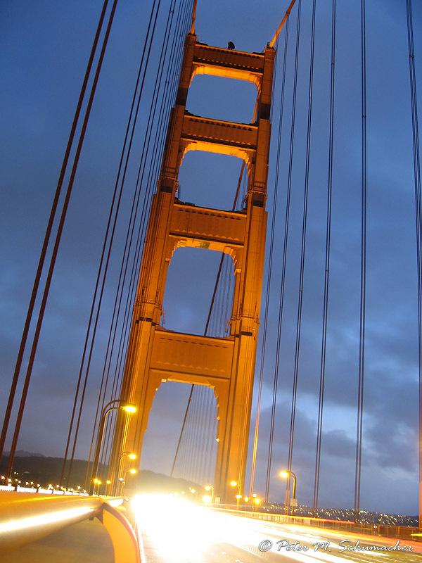 Golden Gate Bridge - headlights fire