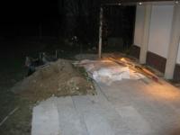 geflammter Calanca Granit wird gelegt durch Beat Tschannen Gartenbau